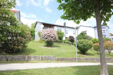 Einfamilienhaus mit Garage in superschöner und begehrter Bilderbuchwohnlage mit toller Aussicht, 72661 Grafenberg, Einfamilienhaus