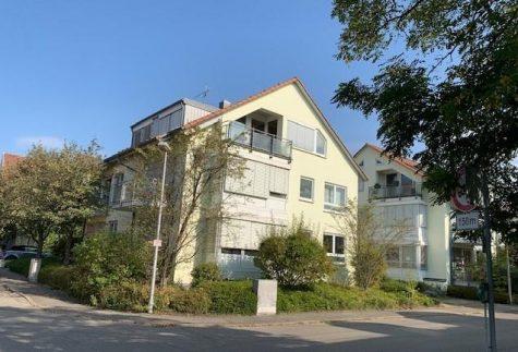 …die 4-Zimmer Dachgeschosswohnung mit Flair, TG-St.-Platz, EBK und toller Aussicht in die Natur!, 72072 Tübingen-Kilchberg, Dachgeschosswohnung
