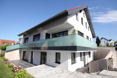 Architektenhaus mit zwei in sich abgeschlossenen Wohneinheiten und genialem Parkierungskonzept, 72108 Rottenburg a.N., Zweifamilienhaus
