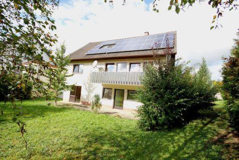 Einfamilienhaus mit Einliegerwohnung, Balkon, Terrasse und unterkellerter Garage in Ortsrandnähe!, 72127 Kusterdingen, Einfamilienhaus