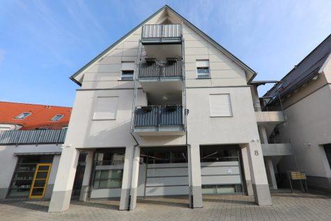 Moderne und gut geschnittene 2,5-Zimmer-Wohnung mit Dachterrasse und Tiefgaragenstellplatz, 72127 Kusterdingen, Etagenwohnung