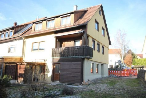Älteres Wohngebäude mit Balkon, Terrasse, Gewölbekeller und einem attraktivem Raumangebot, 72074 Tübingen, Einfamilienhaus