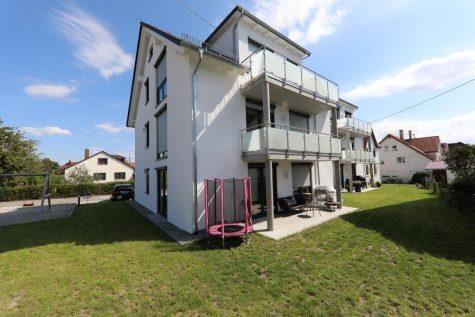 Seniorengerechte und barrierefreie Neubau-Dachgeschosswohnung mit Balkon, Bühnenraum und Weitblick, 72770 Reutlingen, Dachgeschosswohnung