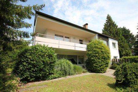 Gepflegtes und massiv gebautes Einfamilienhaus mit Doppelgarage auf einem 1421 m² Grundstück, 72127 Kusterdingen, Einfamilienhaus