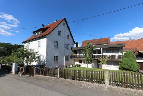 Solides Fünffamilienhaus – ideal als Mehrgenerationenhaus oder Kapitalanlage, 72768 Reutlingen, Mehrfamilienhaus