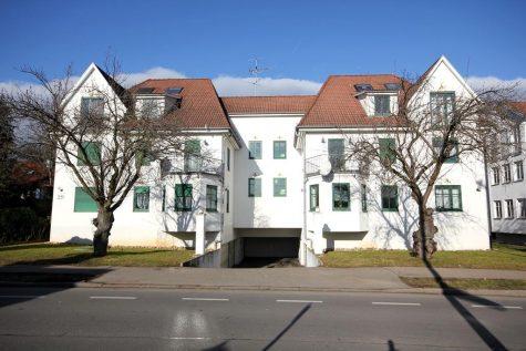 Raffiniert geschnittene 2-Zi.-Whg. mit Tiefgaragenstellplatz in zentraler Lage in Rottenburg a.N., 72108 Rottenburg, Etagenwohnung