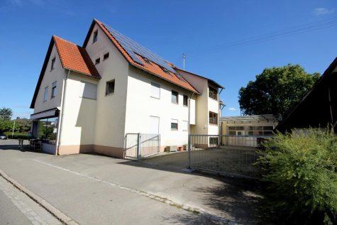 Wohn- und Geschäftshaus in zentraler Lage von Nehren mit guter Parkierungs- und Lagerstruktur, 72147 Nehren, Mehrfamilienhaus