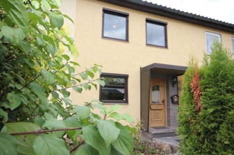 Reihenmittelhaus mit Garage für Menschen mit handwerklichem Geschick in einer beliebten Region!, 72760 Reutlingen Orschel-Hagen, Reihenmittelhaus