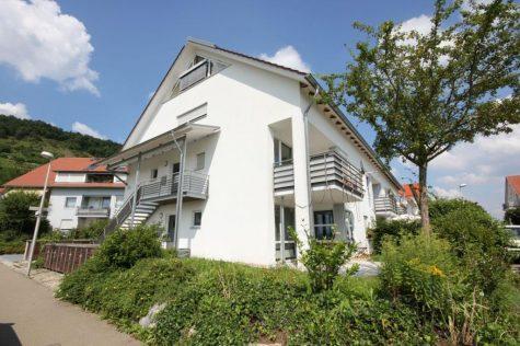 Dort, wo man die kleine Kapelle sehen kann! 3-Zi.-OG-Whg. m. EBK, Balk., u. TG-Stellpl. am Ortsrand, 72070 Tübingen, Etagenwohnung