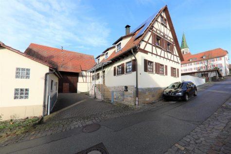 Charmantes Einfamilienhaus mit Scheune und Garage, 72070 Tübingen, Einfamilienhaus